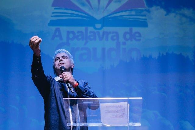 Carioca se apresenta em Goiânia e Anápolis