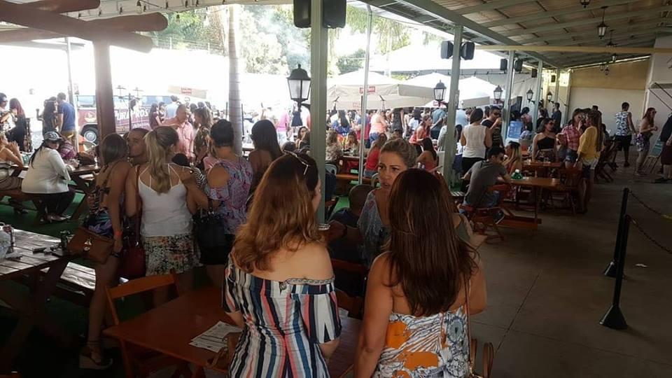Festa emenda happy hour com baladinha, sexta-feira (18)