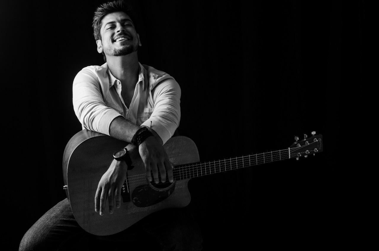 Edu Moraes faz show em hospital público